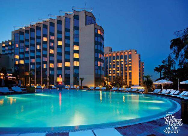Swissotel Hotel de lujo situado en el centro de Estambul y con vistas al Bosforo. Tiene piscina cubierta y al aire libre, Spa y gimnasio.