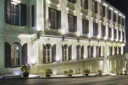 Tomtom Suites Hermosas Suites de lujo con jacuzzi situadas en un edificio histórico de Estambul. Vistas a la ciudad.